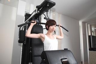 女性のトレーニング風景