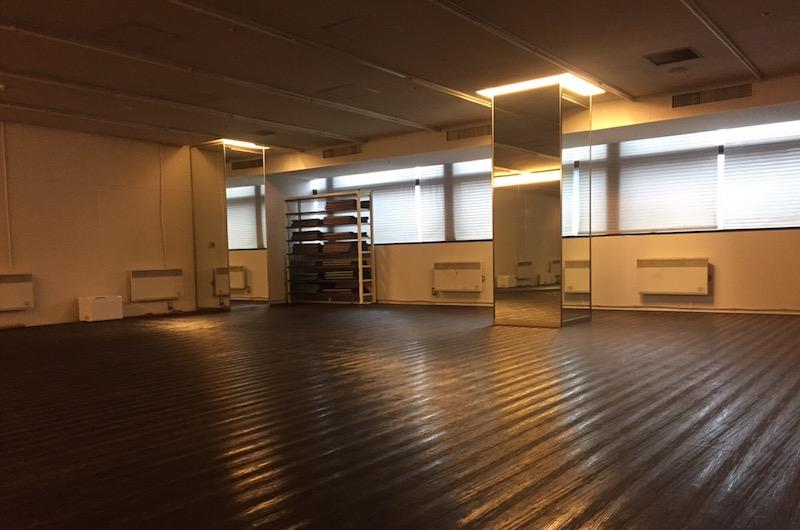zen place三軒茶屋店のホットヨガができるスタジオ