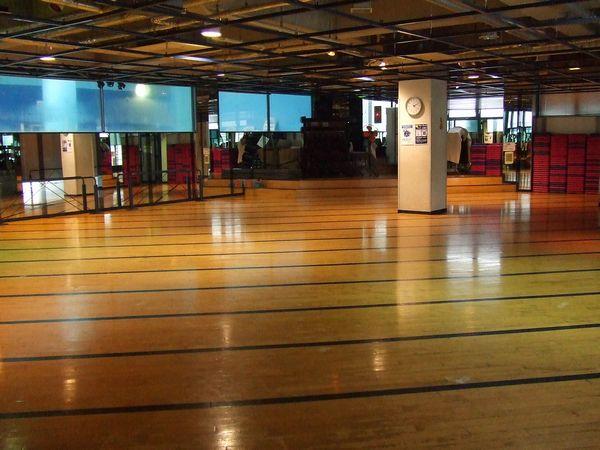 コナミスポーツクラブ所沢店スタジオ 出典:https://information.konamisportsclub.jp/ksc/004053/facility.html