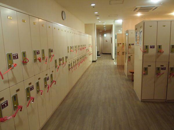 コナミスポーツクラブ大山店ロッカールーム 出典:https://information.konamisportsclub.jp/ksc/007880/facility.html